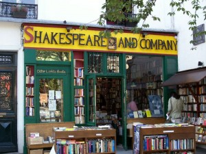 Shakespeare and Company [Attr: author: celebrategreatness, creative commons]