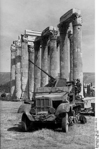 German flak unit, Greece 1941 [Bundesarchiv Bild 101l-165-0432-17A, wikimedia]