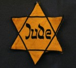 Yellow star (Judenstern) [Author: Daniel Ullrick, GNU FDL/wiki]