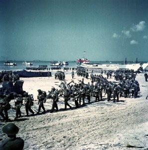 Canadian troops come ashore on Juno Beach, Normandy [Public domain, wiki]