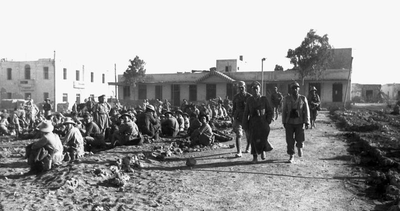Rommel with prisoners at Tobruk