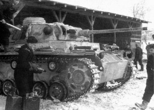Panzer III and crew during the German offensive against Stalingrad, 1942 [Public domain, wiki]