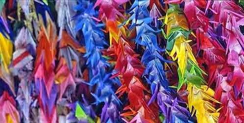 Japanese paper cranes [Public domain, wiki]