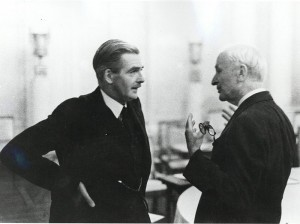British Foreign Secretary, Anthony Eden, talks with US Secretary of State, Cordell Hull [Public domain]