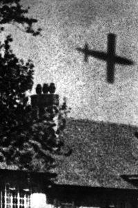V-1 flying bomb over London, 1944 [Public domain]